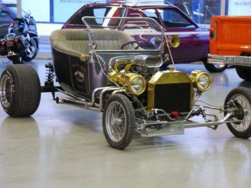 Hotrod Ford T- Bucket V8 Corvette Motor