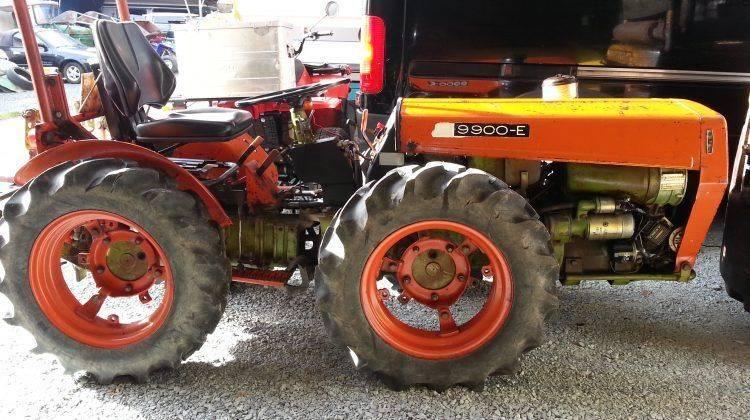 AGRIA 9900 E ALLRAD Knicklenker 4×4 Weingartentraktor