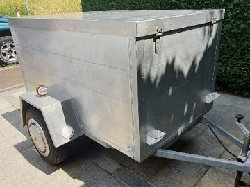 Toller kompakter Aluminium Anhänger zu verkaufen